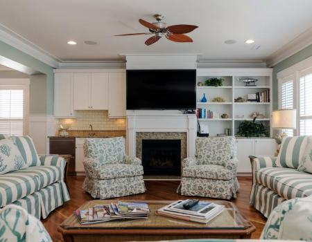 Living room with fireplace in beach vacation rental