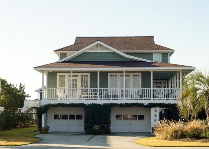 View of the front of beach cottage